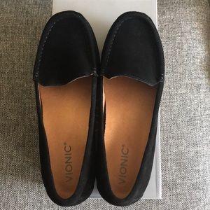 Size 7.5W Vionic Black Moccasins